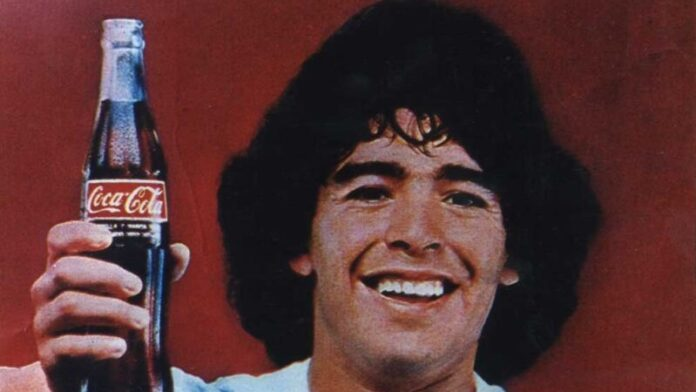 "Convocan argentinos a ""Cocaton"" para homenajear a Maradona."
